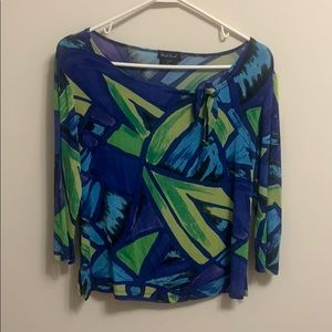Scoop neck with tie and 3/4 sleeve blouse
